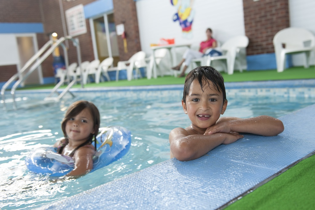 We accept pets pet friendly hotels b bs self - Campsites in norfolk with swimming pool ...